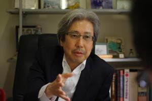 及川俊明氏